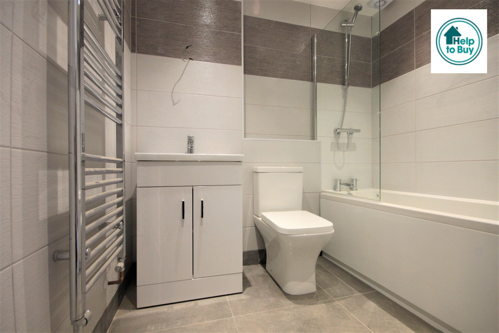 Flat 2 The Willows, 8  Willowdale Centre